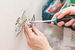 Ejemplo de como pasar instalaciones electricas en paredes insonorizadas